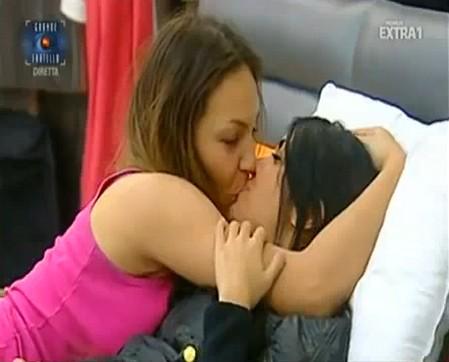 bacio-sarah-e-veronica